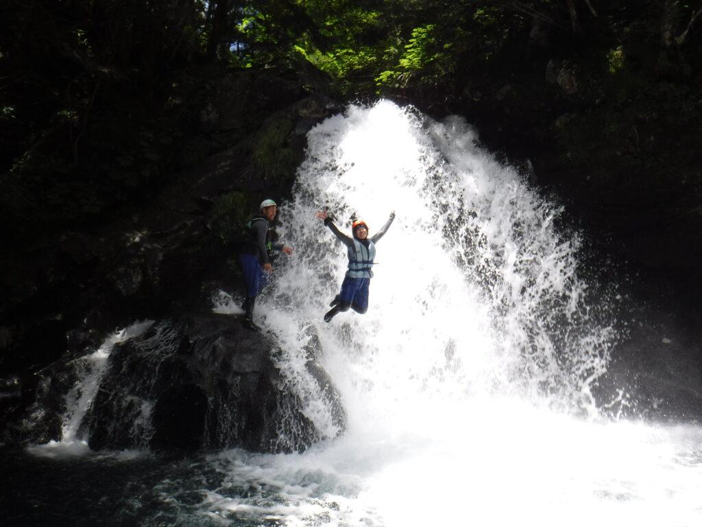 シャワークライミング 沢登りコース